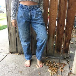 CCO🎀 Vintage Levi's mom jeans