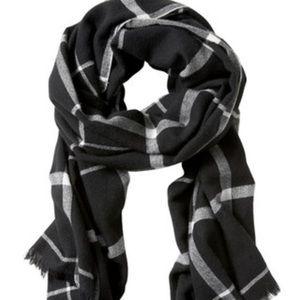 NWT. BR windowpane acrylic scarf