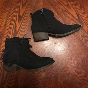 justice fringe booties size 4