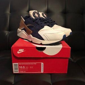 the best attitude a6139 b8c56 Other - Mens Nike huarache run prm size 10.5 RARE