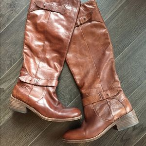 Dolce Vita distressed leather boots