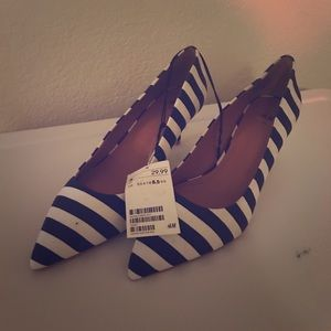 H&M Black and white stripped kitten heels