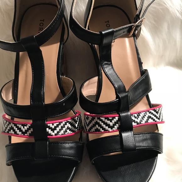 28cb4425a2e3 Brand New pretty color wedge shoe size 11. M 59e159e8a88e7d5a05001c26