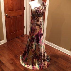 Dresses & Skirts - ⭐️Exotic gold and purple dress⭐️