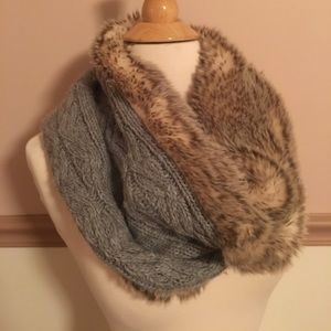 Aerie Faux Fur Scarf Like New