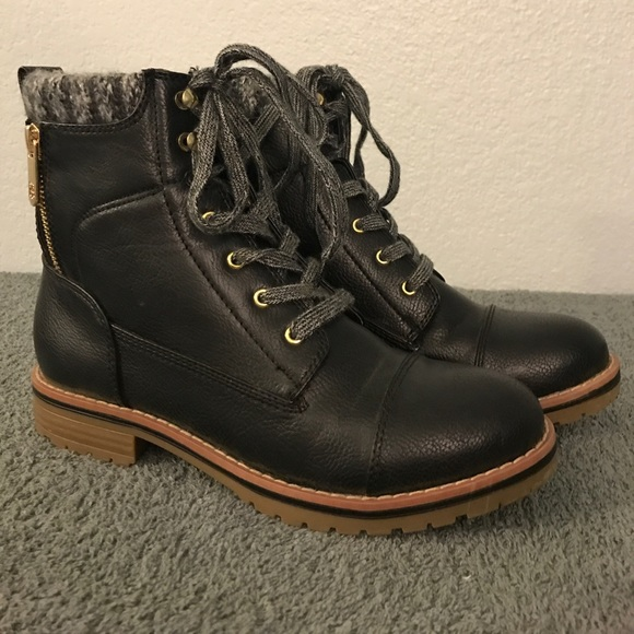 57629559f4544 Tommy Hilfiger Omar2 Knit Top Black Combat Boots. M 59e16b28713fde362d006091