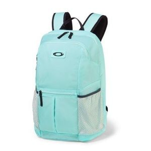 Price Drop 💥Oakley Performance Backpack