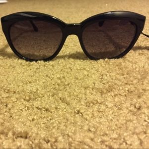 Elizabeth and James black Orchard sunglasses