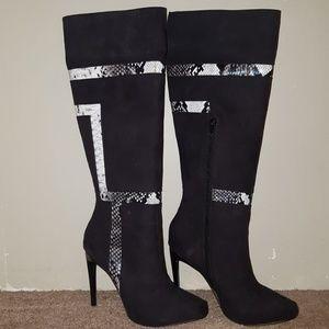 Shoe Dazzle high black boot, Size 7.5, hardly worn