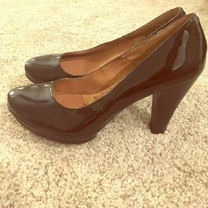 New patent leather Sofft pumps