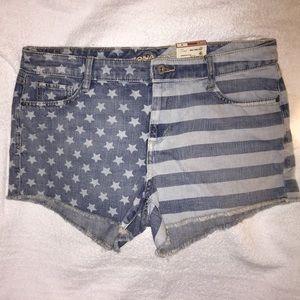 Juniors Arizona brand denim flag shorts size 13.
