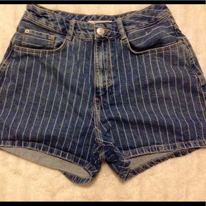 🍒ZARA Denim Shorts Pinstriped Size 4 EUC🍒