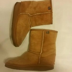 Authentic EMU womens boots straight from Australia
