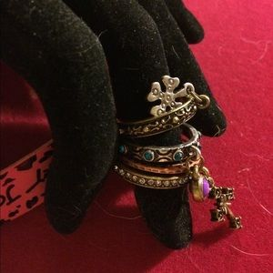 NWT BETSEY JOHNSON CHARM STACKING RING