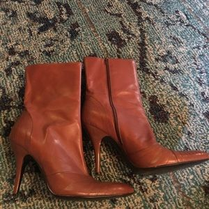 👢caramel heeled boots by BCBGirls Max Azria 7.5/8