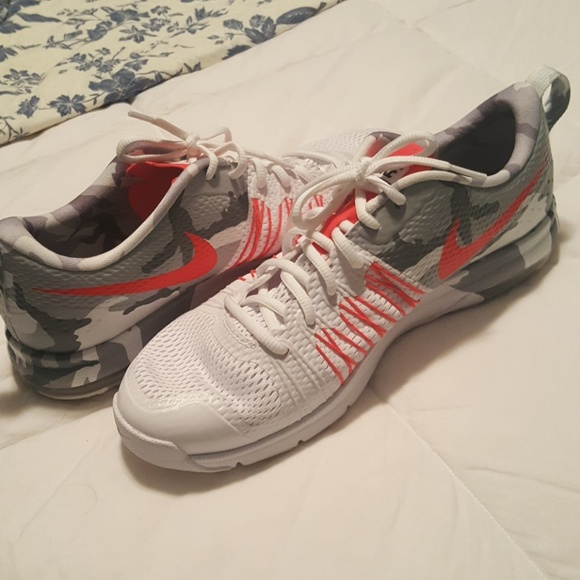 new product 50275 95eec Nike Air Max Effort TR mens shoes - NWOT. M 59e21ec6bf6df5aed40104cf