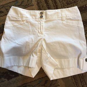 Woman's size 0 shorts white house black market