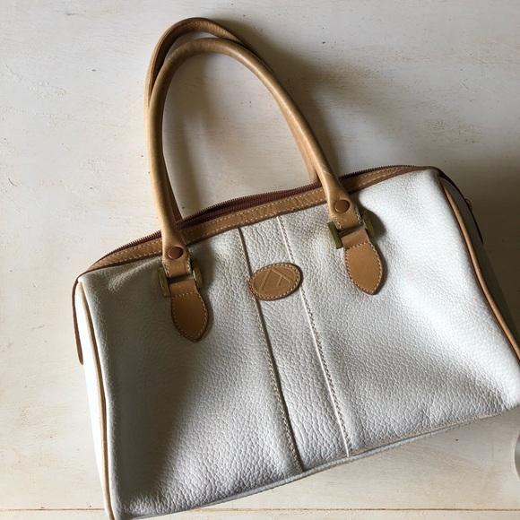 b96870622697 Liz Claiborne Handbags - Vintage Liz Claiborne pebbled leather satchel
