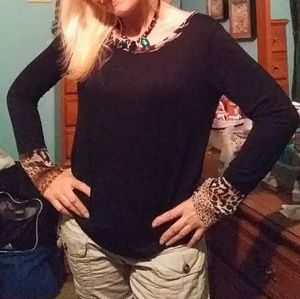 Long sleeved hi-low cheetah top