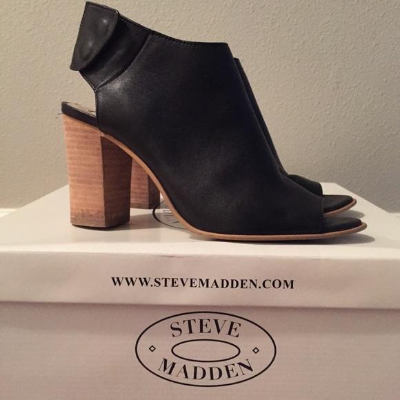 590ffbc4368 Steve Madden Nonstp Peep Toe Ankle Bootie. M 59e229733c6f9fa8fe013e30