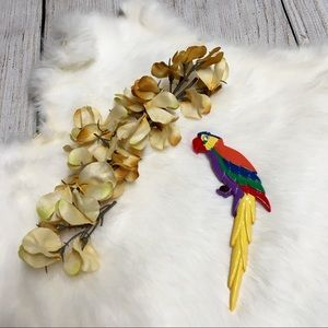 Jewelry - {vintage 80s} Colorful Parrot Brooch