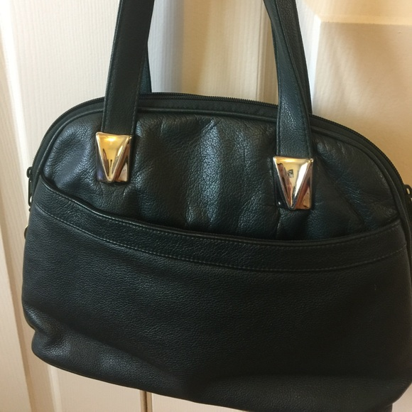 toni Bags   Green Purse With Gold Accents Vintage Look   Poshmark 0149f96c2b