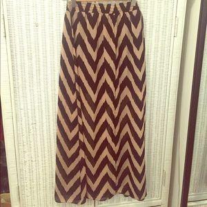 Dresses & Skirts - Black and beige chevron maxi skirt