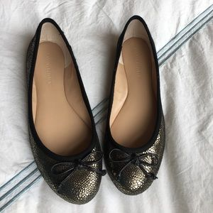 Banana Republic black and gold metallic flats