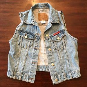 Abercrombie & Fitch Classic Jean Vest