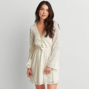SALE! AEO white lace bell sleeved dress