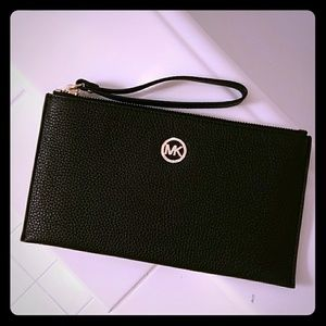 Michael Kors NEW wristlet