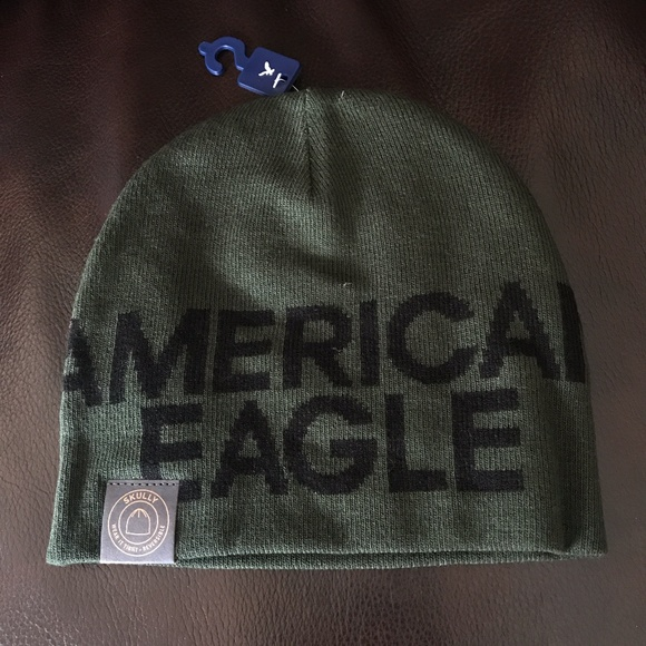f73894f3229 NWT American Eagle Reversible Skully Cap Beanie