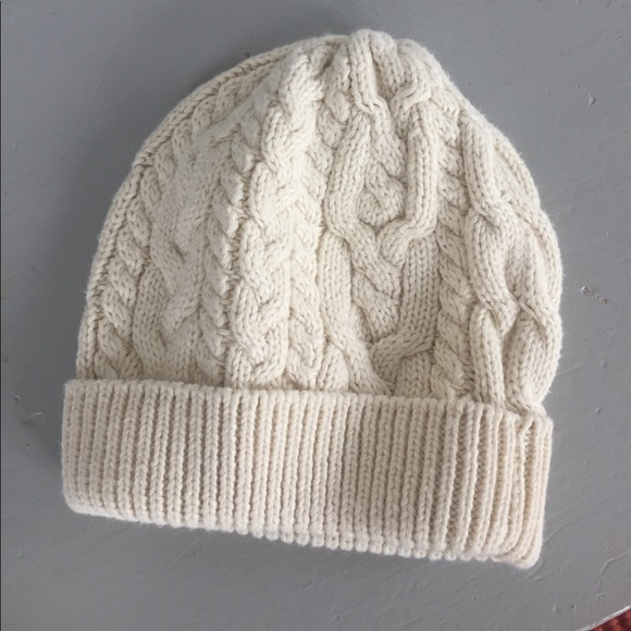 ca1d2cad6e2 Like new- Baby Gap cable knit beanie