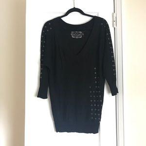 GUESS 3/4 sleeve lightweight v-neck sweater