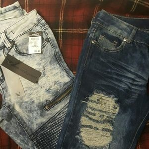 2 pairs women's distressed  Rue 21 jeans