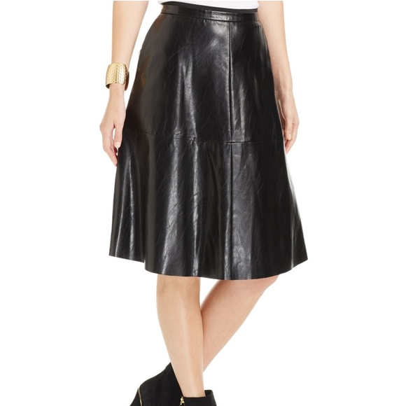 52926e0e7c8e ... faux leather knee length skirt. M 59e24d6b620ff7debf020732