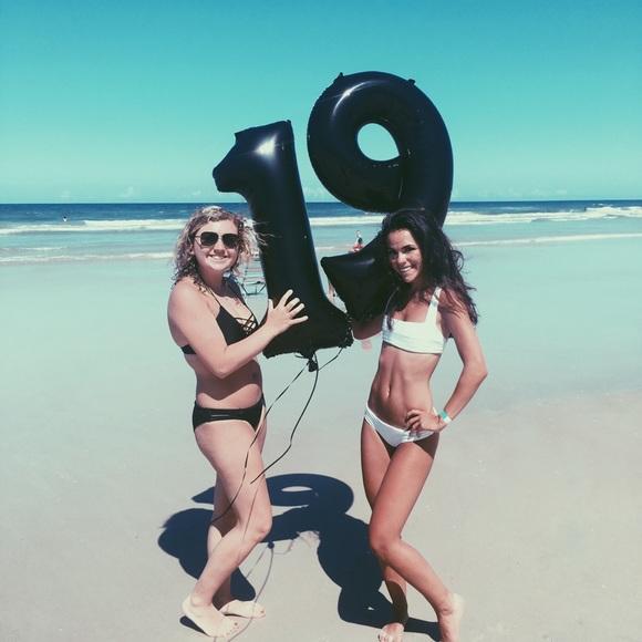 7035d79872a Frankie s Bikinis Other - Kaohs Hampton bikini top white small