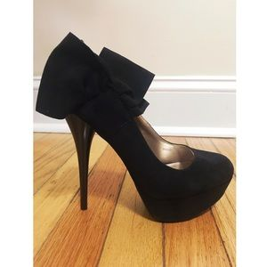 Shoes - Black heels with Bow
