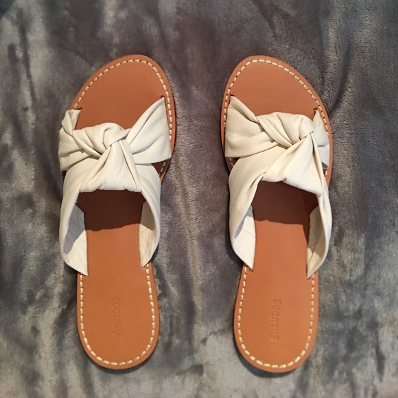 396d559b4f76 Soludos Women s Leather Knotted Slide Sandals