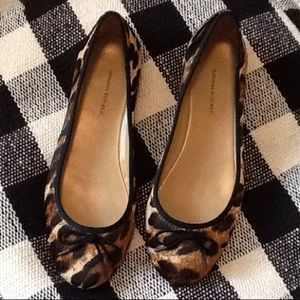 Banana Republic Ashley bow pony hair flats size 8