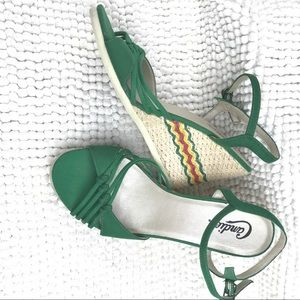 Candie's Mexican inspired green wedges sandals
