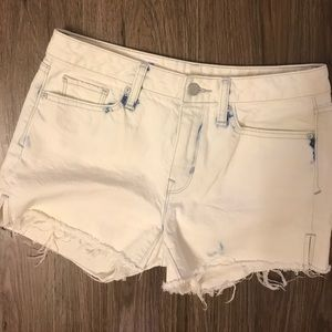 Gap slim cut off jean shorts acid wash