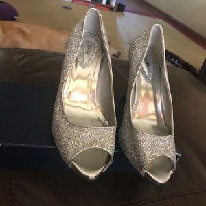 Shoes - Sliver heels