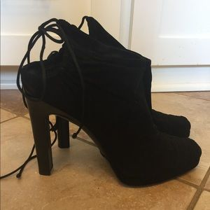 GUCCI Suede Ankle Tie Sexy Booties Boots ❤️
