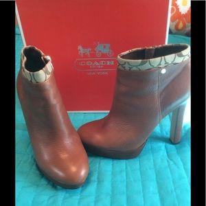 Coach safari leather ankle boot