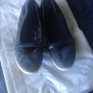 COLE HAAN MARY JANE NAVY PATENT AND SUEDE SZ 9B