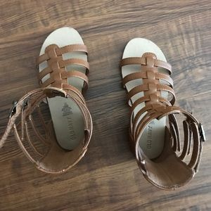 9c4afa0fe18 Old Navy Shoes - 💥💥Toddler sized Old Navy Gladiator Sandals💥💥