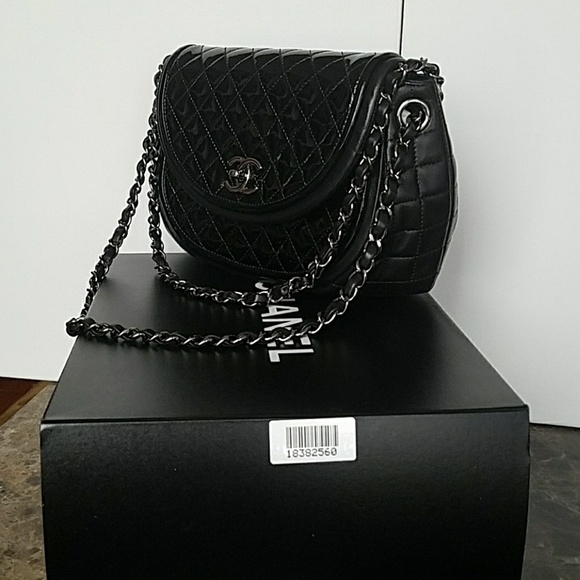 09386e7e08a2 CHANEL Handbags - Chanel Black Quilted Patent and Leather Sac Rabat