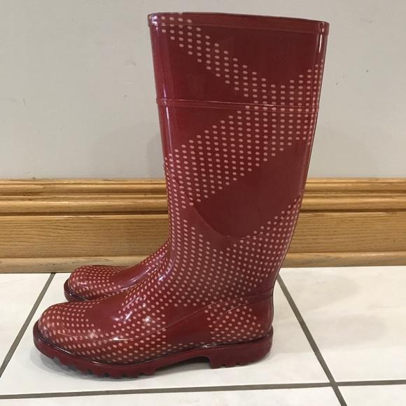 b435785e821846 Burberry Shoes - Women s Burberry checkered red rain boots