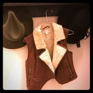 🏈 Fall Faux Fur Aviation Vest!